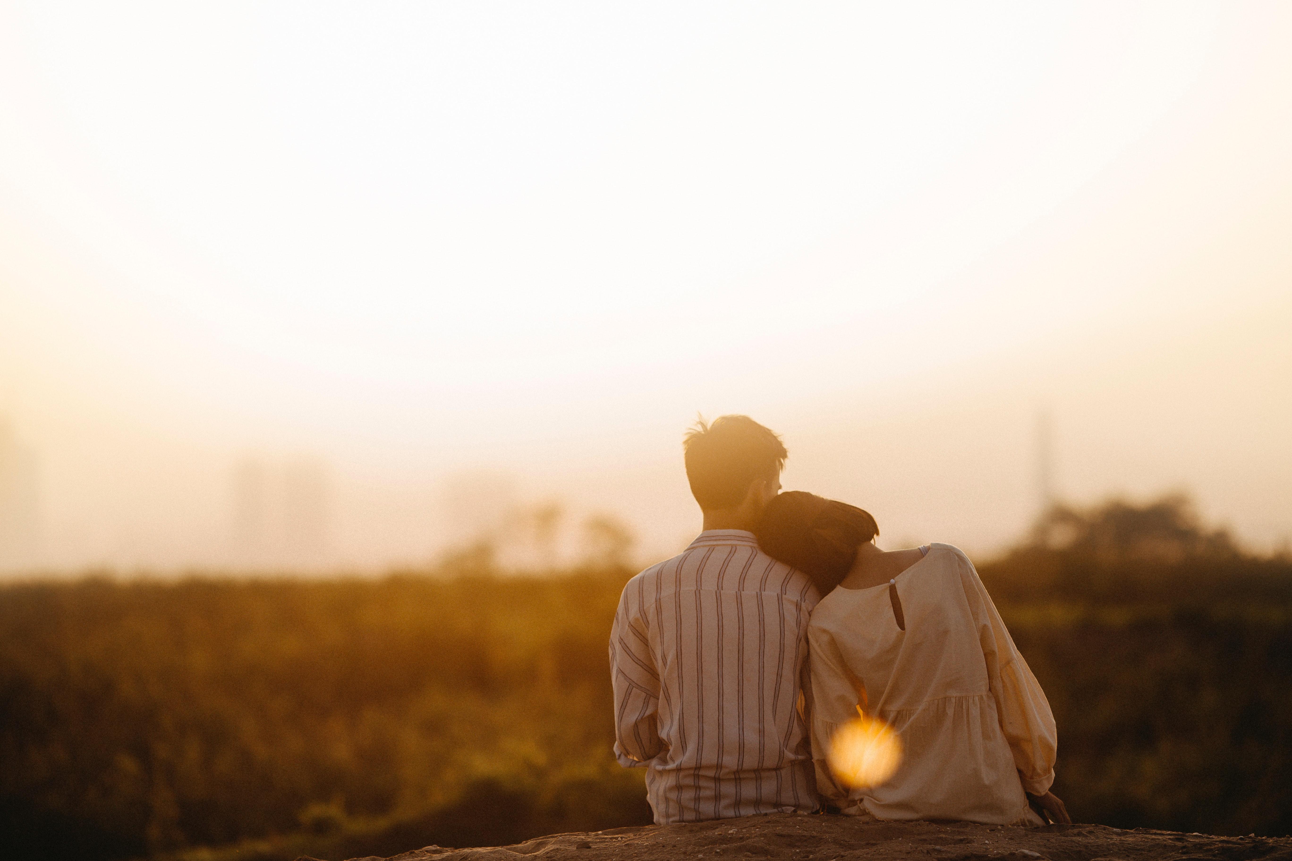 affection-backlit-blur-1415131